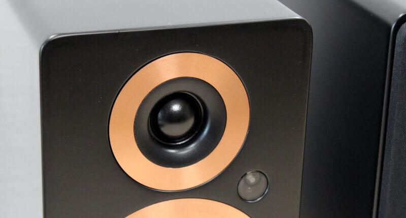 softdome_diskant_kobber_detaljer_Sort_design_argon_audio_trådløse_højtalere.jpg