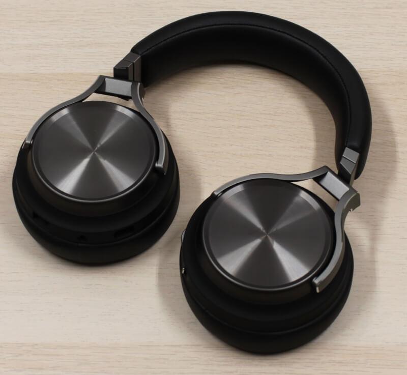 10_slipstream_corsair_headset_wireless_rgb_surround.JPG