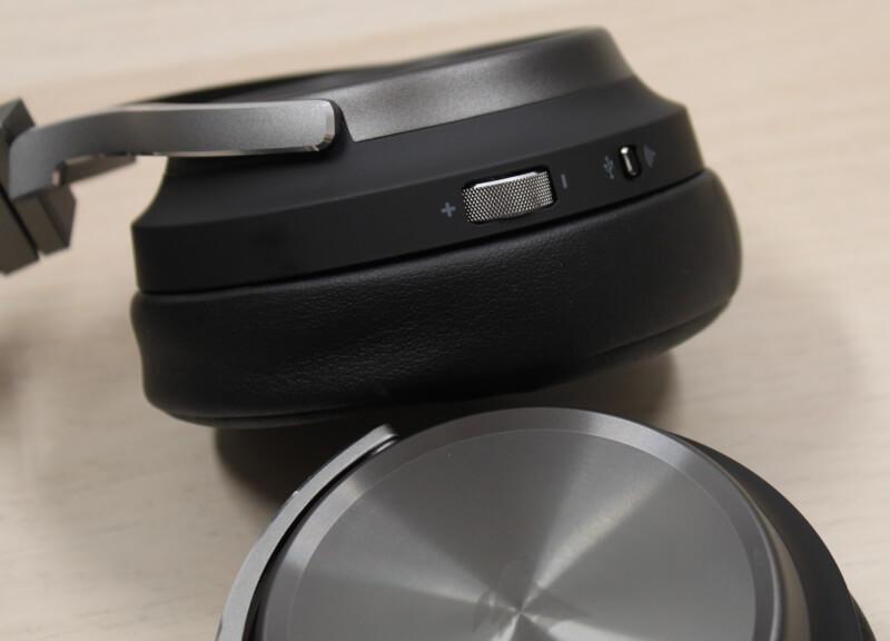 15_volume_kontrol_kablet_wireless_headset_virtuoso_corsair.JPG