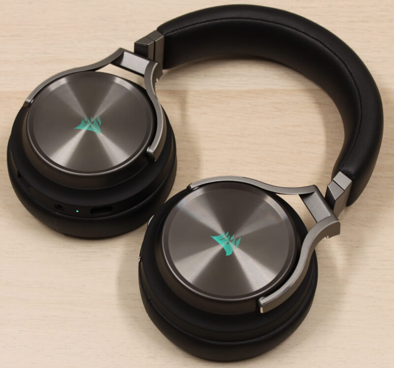 16_rgb_lys_tændt_Corsair_virtuoso_wireless_headset_aluminium_surround.JPG