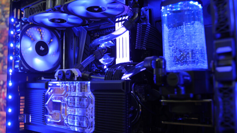 hydro_x_corsair_full_build.jpg