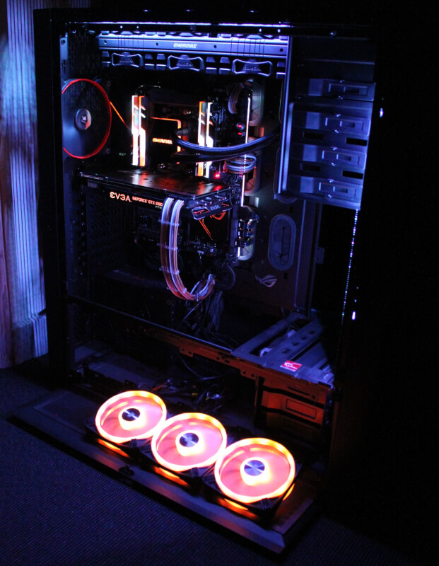QL120 RGB monteret Corsair iCUE