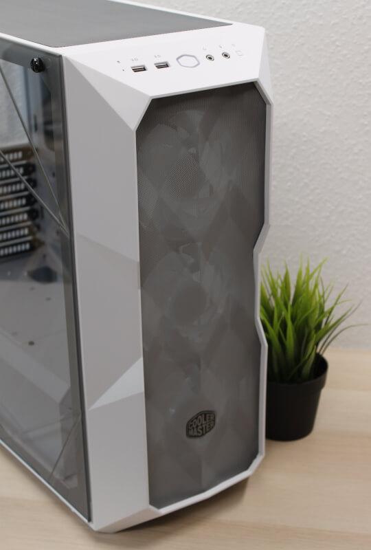 7_gråt_metalgitteR_tre_120mm_ARGB_blæsere_inkluderet_cooler_master_TD500_mesh.JPG