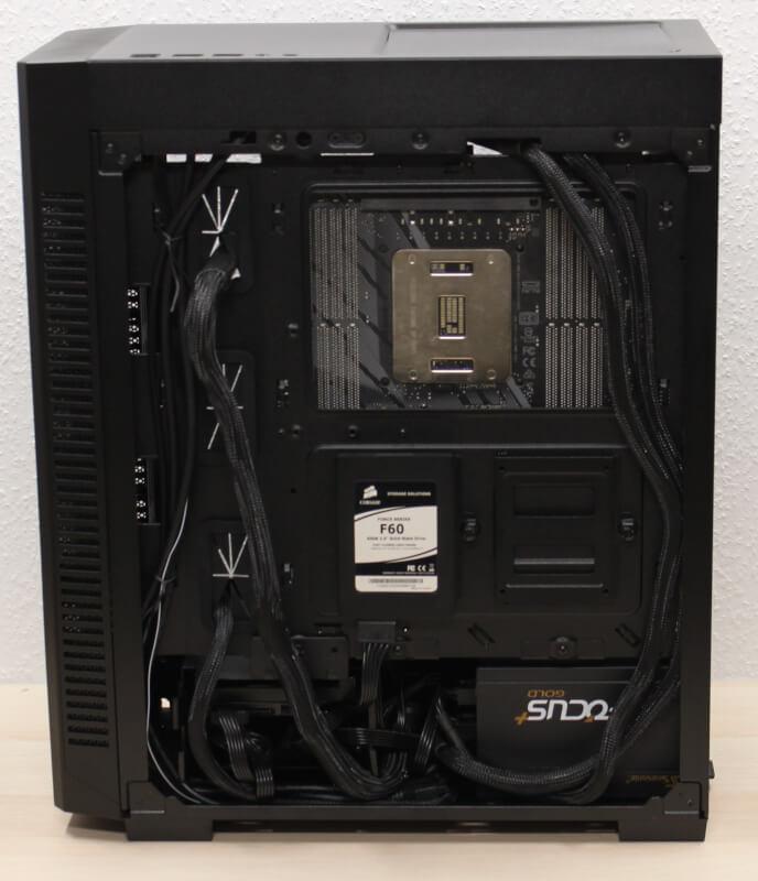 Mid-Tower ATX kabinet 110R glas rgb budget Corsair  SSD montering