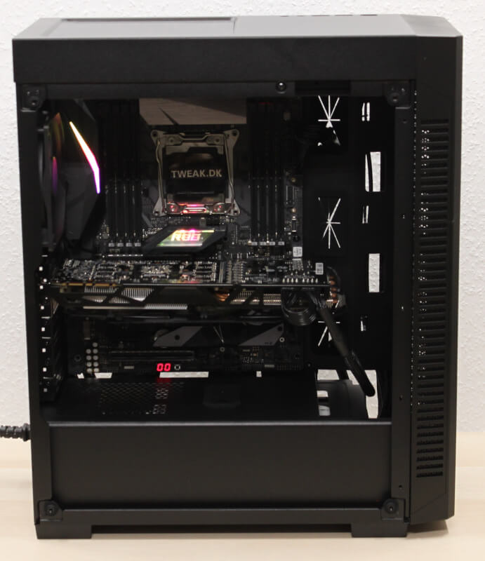 110R kabinet bundkort atx Corsair RGB hardwaremontering
