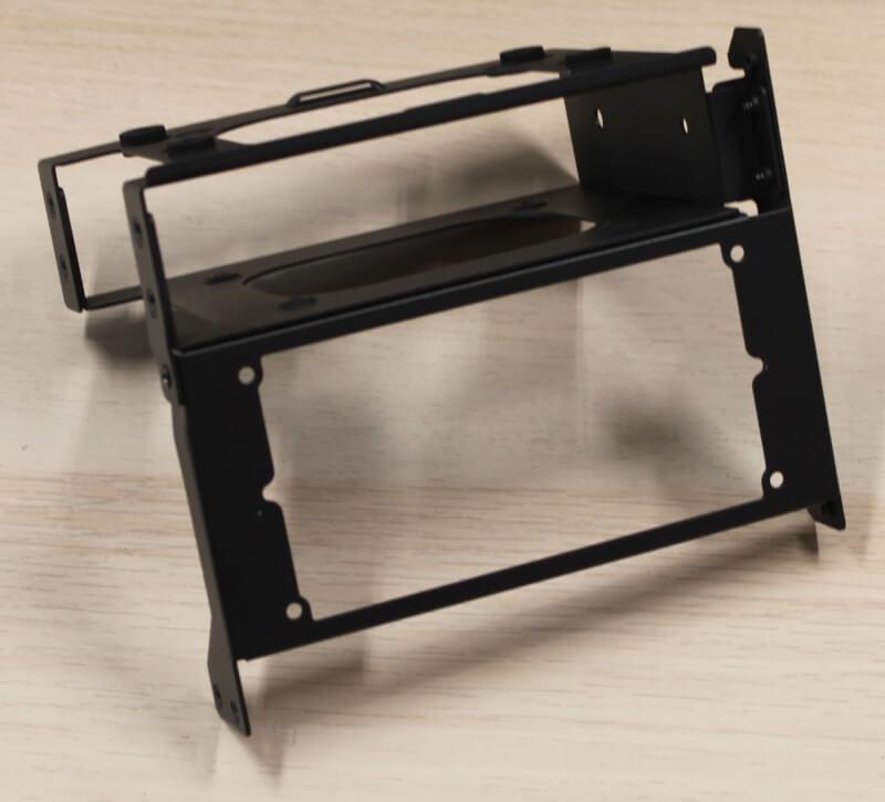 kabinet aluminium SFX Era ITX Fractal indvendigt design gaming Design test