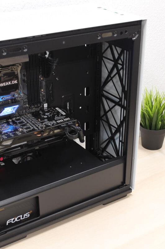 Macube gamerstorm RGB lys gamerkabinet budget atx310P