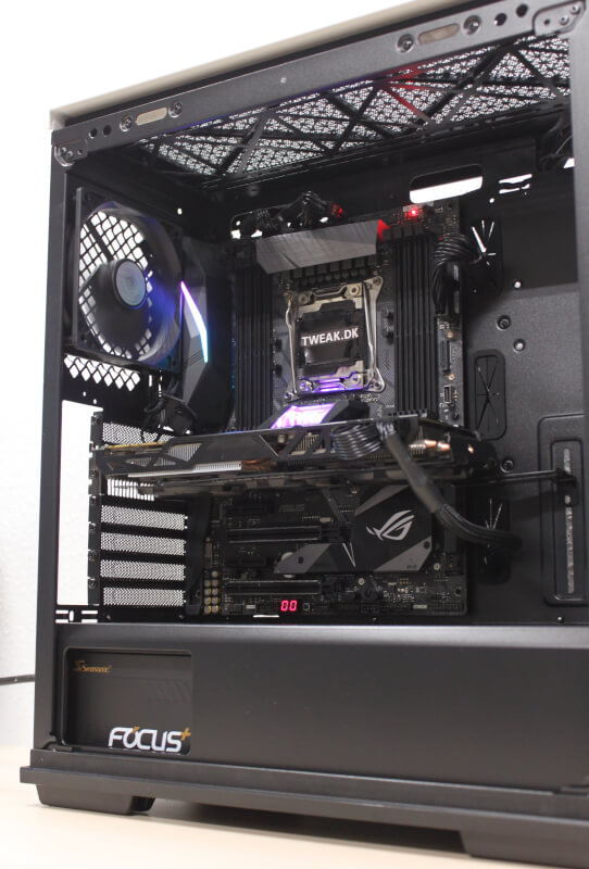RGB blæser lys ATX kabinet GamerStorm Macube 310P
