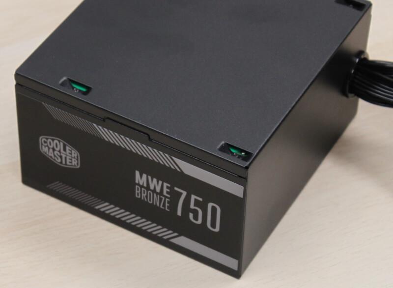 17_design_på_siden_MWE-750_bronze_strømforsyning.JPG