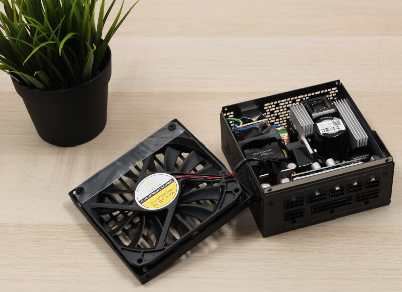 Design Gold power knap 650watt Fractal PCI Ion SFX semi passiv sfx