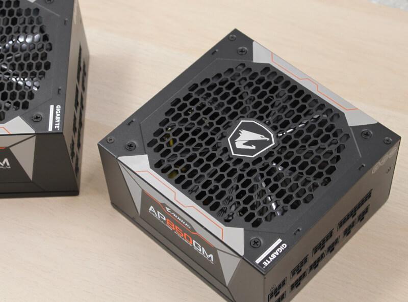 highend PSU auros gaming strømforsyning kabler semi passiv