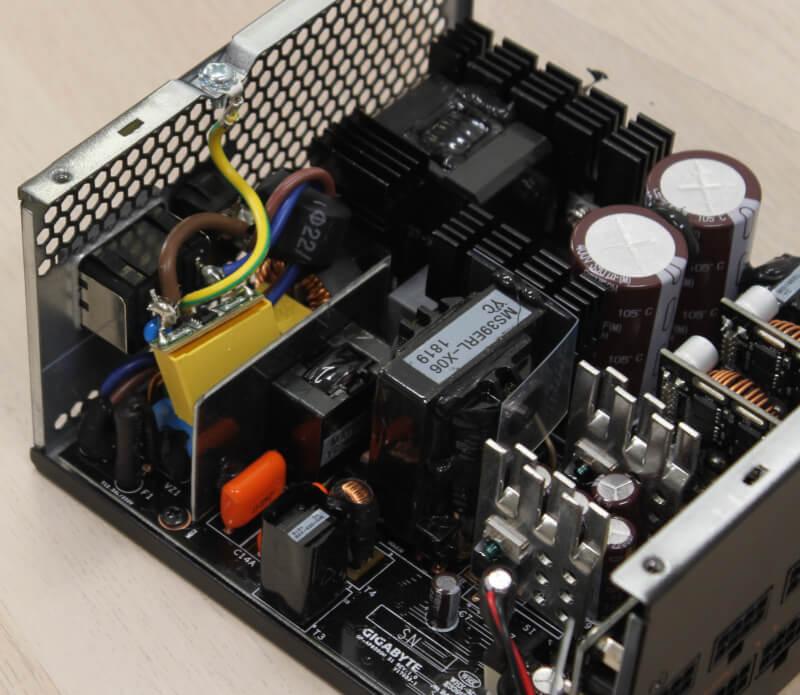 Gaming highend aktiv køling gaming AORUS P750W gigabyte PSU