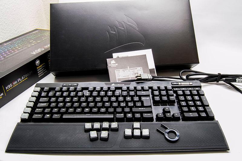 tweak_k95_platinum_keyboard_contents.jpg