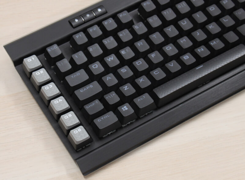 13_programmerbare_knapper_venstre_elgato_gaming_corsair_k95_aluminium.JPG