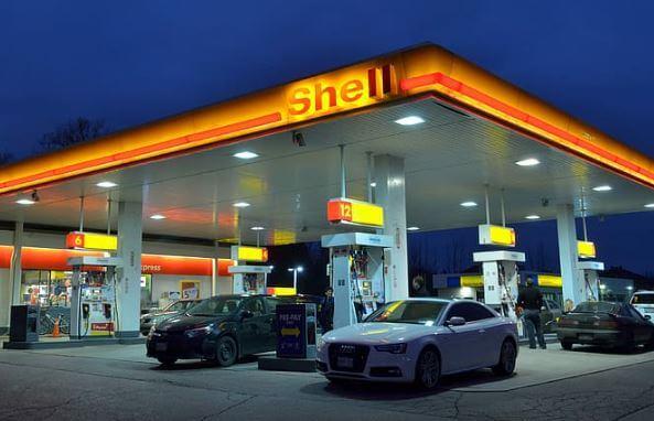 Dansk_bank_vender_ryggen_til_fossildrevne_biler_shell
