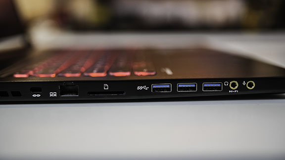 msi_gs73_7frf_stealth_pro_gaming_laptop_side_io_left