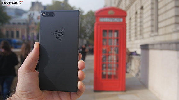 razer_phone_back_phonebooth_tweak_dk