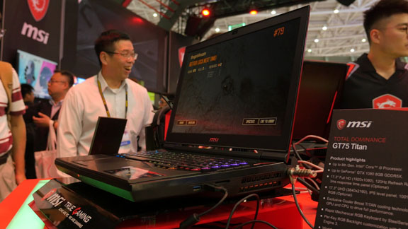 computex_2018_msi_gt75_titan_gaming_laptops_tweak_dk
