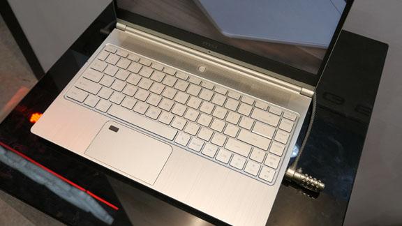 computex_2018_msi_pretige_ps42_keyboard_laptop_tweak_dk