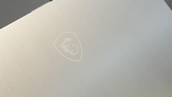 computex_2018_msi_pretige_ps42_logo_ultra_light_laptop_tweak_dk