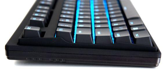 gaming_side_view_asus_cerberus_mech_keyboard_rgb_switches_tweak_dk