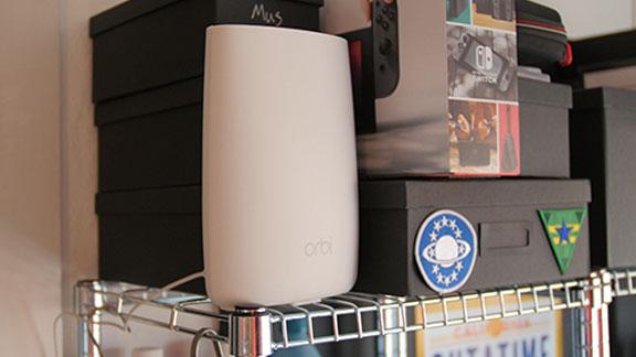 netgear_orbi_router_unit_shelf_tweak_dk