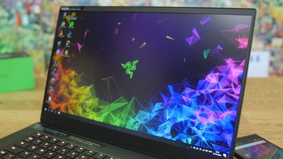 razer_blade_15_gaming_laptop_screen_bezel_tweak_dk
