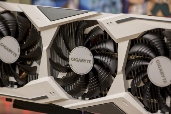 tweak_dk_gigabyte_geforce_rtx_2070_gaming_oc_white_8g_06