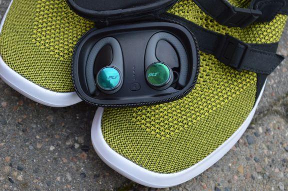 earbuds_plt_backbeat_fit_3100_tweak_dk