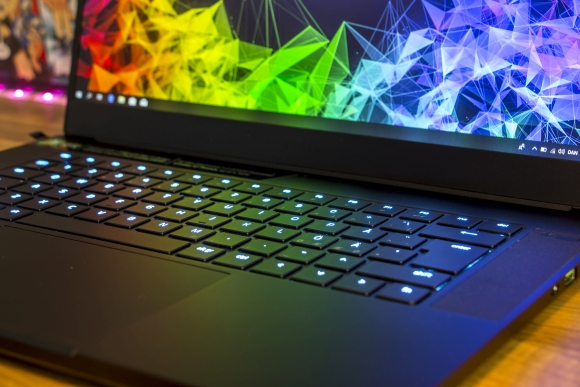 tweak_dk_razer_blade_15_advanced_13