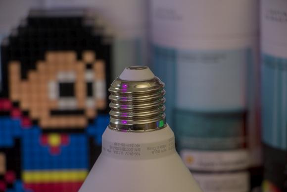 tweak_dk_lifx_a60_wifi_colour_led_smart_bulb_pære_09