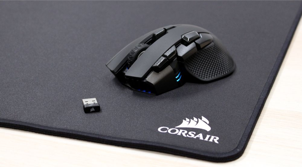 25_Corsar_Ironclaw_RGB_Wireless_gamermus_modtager_måtte