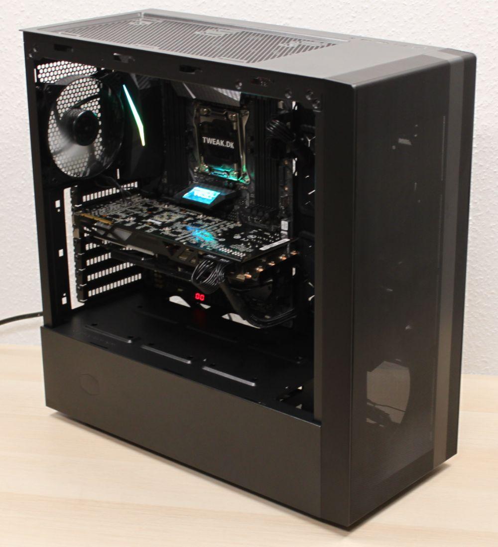 33_Cooler_Master_Masterbox_NR600_miditower_kabinet_færdige_system