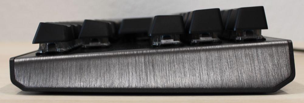 15_Cooler_Master_CK530_mekanisk_tenkeyless_tastatur_side_fladt