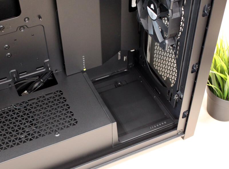 18_ekstra_panel_,onteret_5000D_airflow_corsair_side_monterede_blæsere.JPG