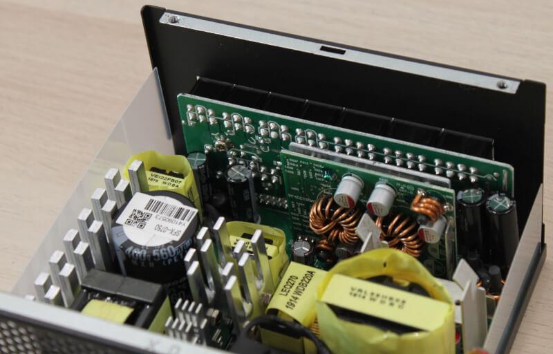 modulært_kabelinterface_seasonic_focus+_gx-750_strømforsyning