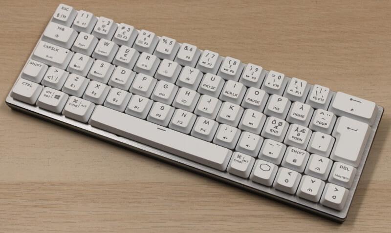 10_minimalistisk_Design_Cooler_master_sk622_tastatur_rgb_gaming.JPG