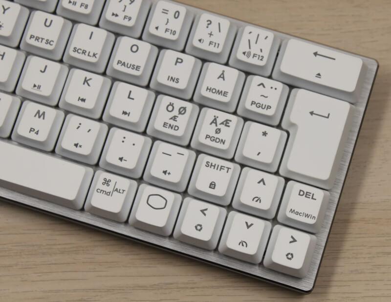 12_intet_numpad_mange_genveje_mini_Design_cooler_master_sk622_keyboard.JPG