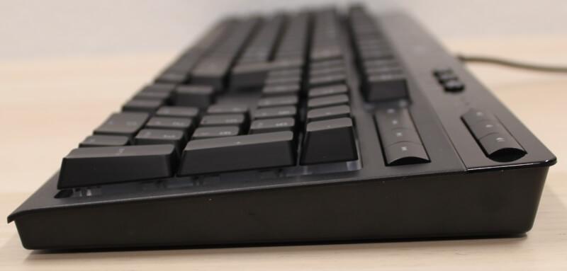 sideprofil_ned_langs_k55_Rgb_pro_Xt_tastaturet_corsair_gaming